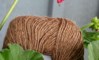 Superfine alpaca fiber yarn