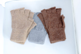 finger-less alpaca gloves