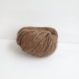 Cinnamon superfine alpaca yarn