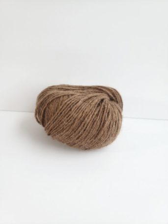Cinnamon superfine alpaca yarn