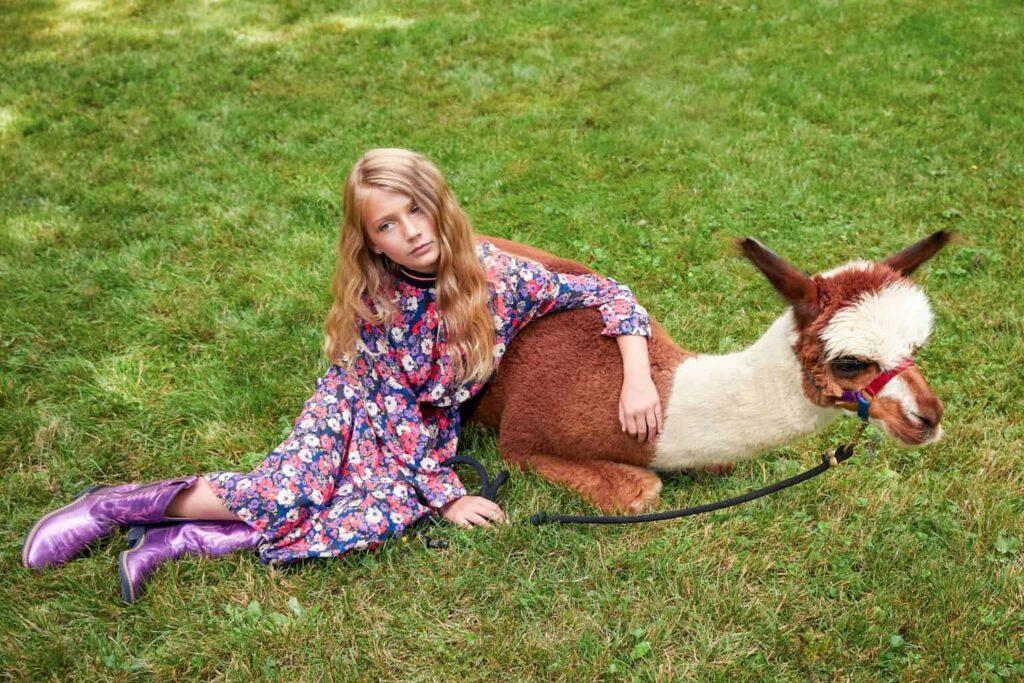 girl with alpaca
